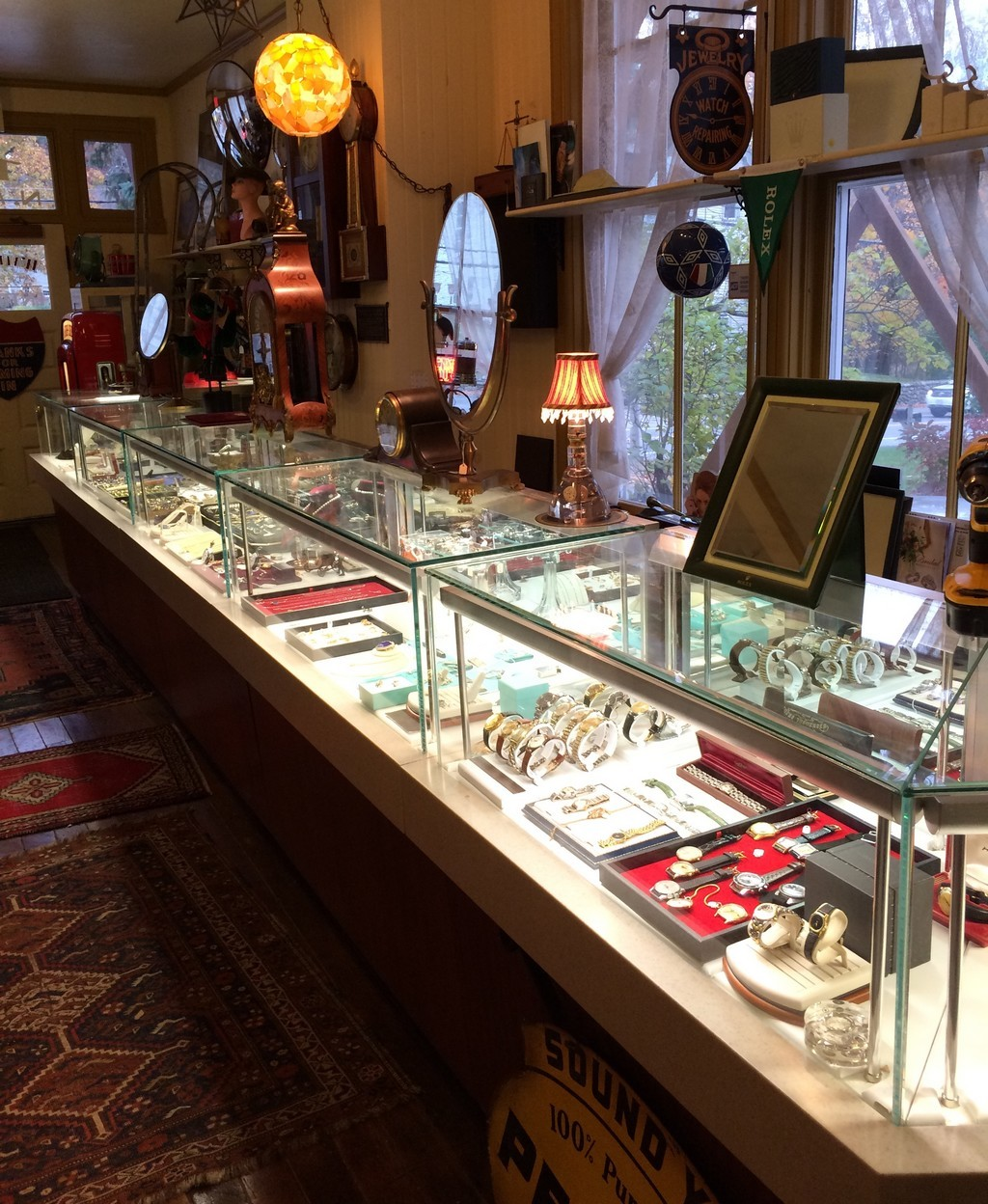Watermark buys & sells quality jewelry